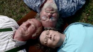 Erika (r.) mit ihrem Mann Justus (l.) und dem Geliebten Klaus (m.)- Copyright  ZDF und Steffen Schenker